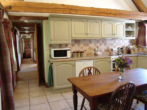 WOODVIEW-COT1-KITCHEN3